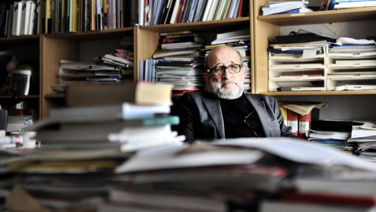Jerzy Sarnecki, professor i kriminologi vid universitetet i Stockholm fotograferad på sitt kontor Foto Erik Ardelius / DN / TT